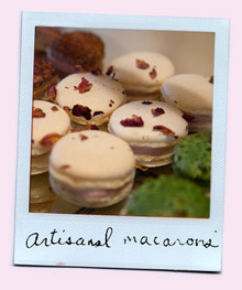 Polaroid_set_macarons